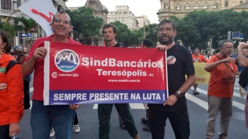 O Sindicato dos Bancários de Teresópolis participou da mobilização em solidariedade ao movimento para fortalecer unidade dos trabalhadores contra ataques do governo